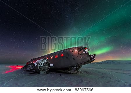 northern lights over plane wreck
