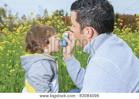 A dad give inhaler for respiratory system issues