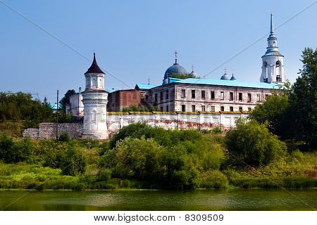 Verhoturie.man's Piously-nikolaev Monastery 3