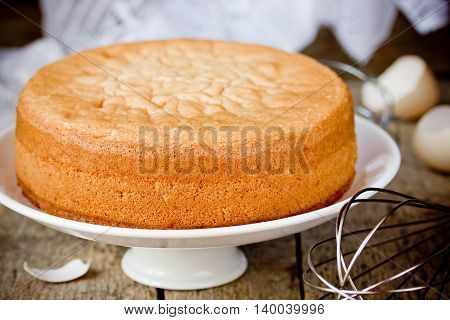 Oven fresh sponge cake. Chiffon biscuit for cake selective focus