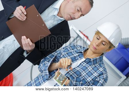 foreman during a meeting about a build project