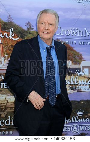LOS ANGELES - JUL 27:  Jon Voight at the Hallmark Summer 2016 TCA Press Tour Event at the Private Estate on July 27, 2016 in Beverly Hills, CA