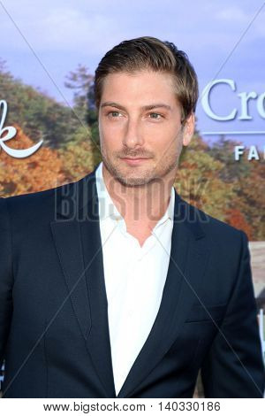 LOS ANGELES - JUL 27:  Daniel Lissing at the Hallmark Summer 2016 TCA Press Tour Event at the Private Estate on July 27, 2016 in Beverly Hills, CA