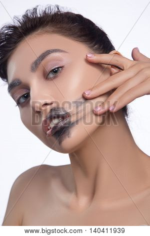pretty woman smear out black color lips