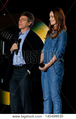 NEW YORK-SEPT 27: Jeffrey Sachs (L) and Olivia Wilde speak onstage at the 2014 Global Citizen Festival to end extreme poverty by 2030 in Central Park on September 27, 2014 in New York City.
