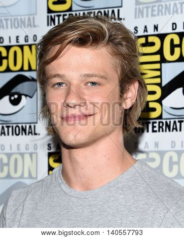 LOS ANGELES - JUL 22:  Lucas Till arrives to the Comic Con 2016 - CBS PhotoCall on July 22, 2016 in San Diego, CA