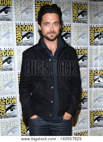 LOS ANGELES - JUL 22:  Justin Chatwin arrives to the Comic Con 2016 - CBS PhotoCall on July 22, 2016 in San Diego, CA