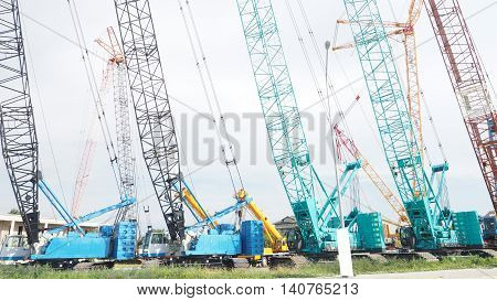 Largest Lifting Height Crawler Crane on sale many color.