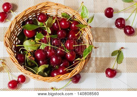 Cherries contain fructose, glucose, citric, malic acids, mineral salts, vitamins A, B1, B2, C, P, PP, folic acid, carotene, tanning, pectin, essential oils . Enjoy your meal and good health.