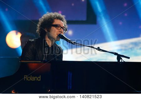 NEW  YORK-NOV 13: Ian Axel of A Great Big World performs on stage during VH1's 2nd Annual 'You Oughta Know Live In Concert' 2014 at Hammerstein Ballroom on November 13, 2014 in New York City.