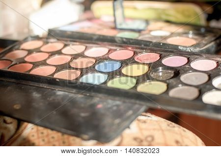 Reticulation Shadows And Blush Makeup Artist
