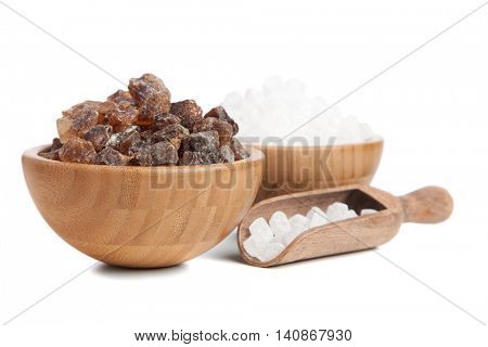 Brown and white sugar in a bowl
