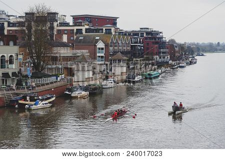 Kingston Upon Thames, United Kingdom - April 2018: Oarsmen From Kingston Rowing Club Training For Ca