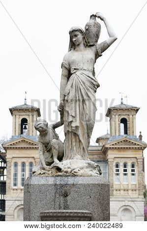Kingston Upon Thames, United Kingdom - April 2018: The Shrubsole Memorial, Marble Statue Of Woman Ca