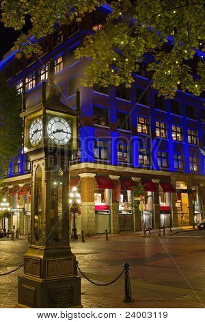 Steam Clock In Gastown Vancouver Bc At Night 2