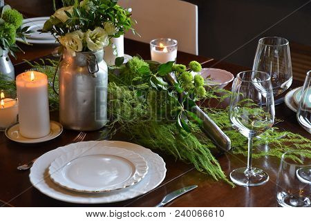 flowers restaurant table decoration for holidays.