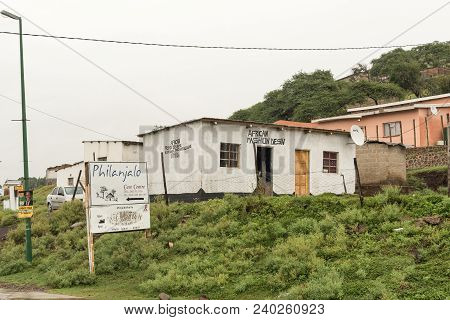 Tugela Ferry, South Africa - March 22, 2018: Buildings Against The Slope Of A Hill At Tugela Ferry I