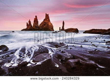 Iceland, Jokulsarlon Lagoon, Beautiful Cold Landscape Picture Of Icelandic Glacier Lagoon Bay, The R
