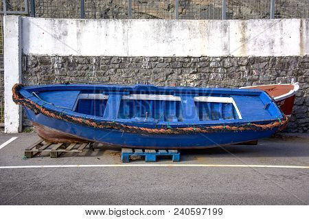 Photo Of A Boat With Several Colours And Sunlight