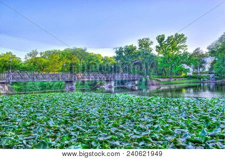 Hdr Photography At A Bridge In Dallas, Texas On Turtle Creek
