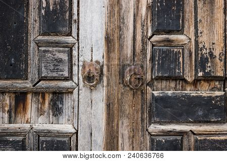 Detail Of A Abandoned Wooden Door With Arab Ornaments At Emir Bachir Chahabi Palace Beit Ed-dine In