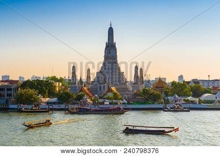 Thailand, Bangkok - April 12, 2018: Early Evening, The Tourist Boats Sail Along The Chaopraya River