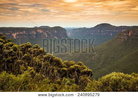 An image of the Blue Mountains Australia at sunset