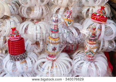 Traditional Bangles Shakha, Pairs Of White Conch Shell Bangles, To Be Worn By Bengali Hindu Bride Wh