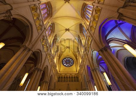 Lyon, France, Europe, 6th December 2019, View Of The Interior Of Cathedrale Saint Jean Baptiste