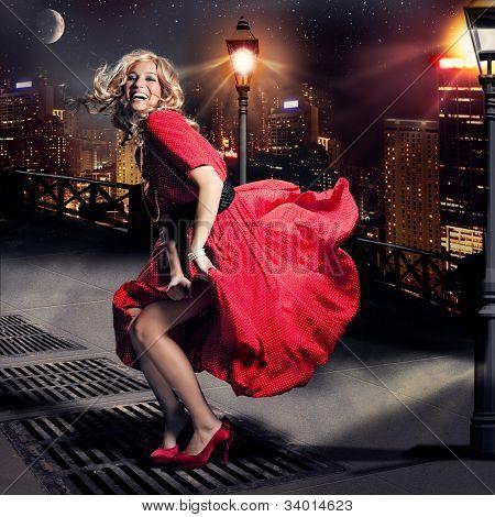 girl like Monroe standing in the wind