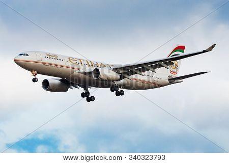 Frankfurt / Germany - December 6, 2012: Etihad Airways Airbus A330-200 A6-eyp Passenger Plane Landin
