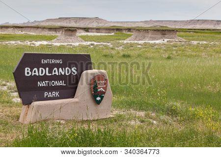 Badlands National Park, South Dakota - June16, 2014: A Sign At The Entrance Of Badlands National Par