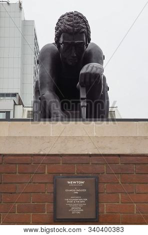 Newton Sculpture By Paolozzi At The British Library In London