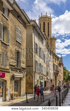 Aix En Provence, France - Aug 11, 2017: People Enjoy Visiting The Old Town Of Charming Aix En Proven