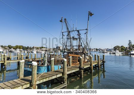 Barnstable, Usa - Sep 24, 2017: Old Lobster Fish Trawler Miss Kara At The Pier In Barnstable Harbor.