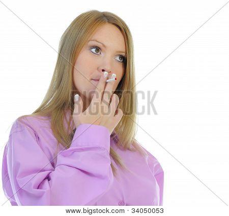 pregnant woman with cigarette