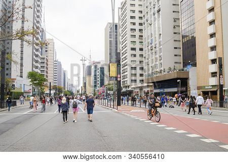 Sao Paulo - Sp, Brazil - November 17, 2019: Paulista Avenue Open On Sunday For The Traffic Of People
