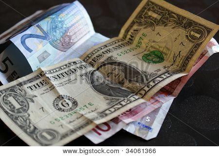 Bargeld Dollar Euro