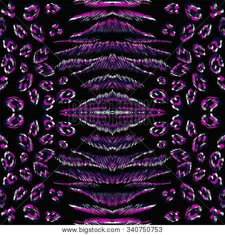 Neon Puma Skin Vector Seamless Pattern. Purple Puma Bright African Background. Dark Animal Skin Wild