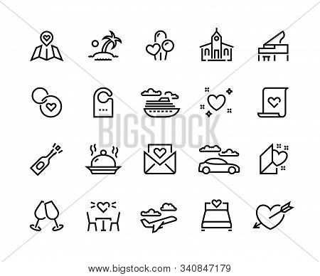 Honeymoon Line Icons. Wedding Voyage And Valentine Hearts Symbols, Love And Marriage Travel. Vector