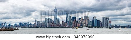 Panoramic View Of New York City From Brooklyn