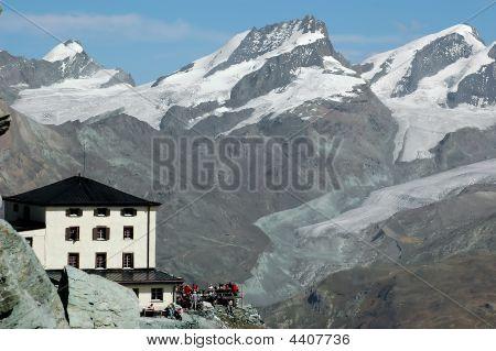 Hornli Hut On Matterhorn