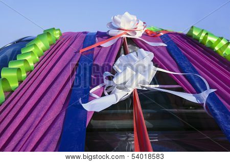 Ribbons In The Wedding Car