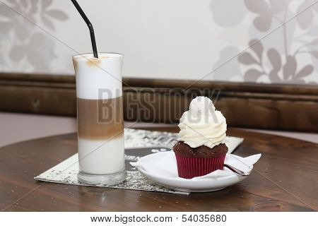 Tasty cupcake with shake