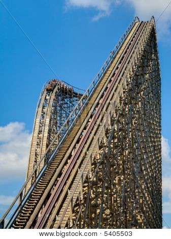Ride Wooden Roller Coiaster Portrait 01 All