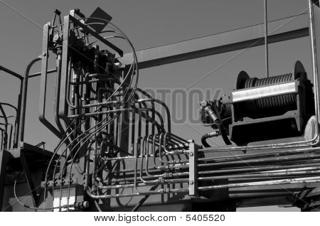 Hydraulic Piping On Boat Lift