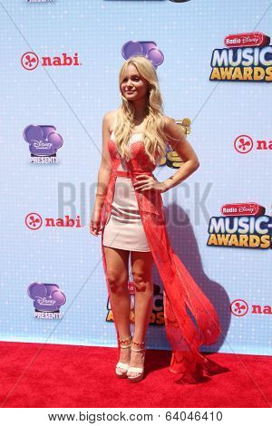 LOS ANGELES - APR 26:  Olivia Holt at the 2014 Radio Disney Music Awards at Nokia Theater on April 26, 2014 in Los Angeles, CA