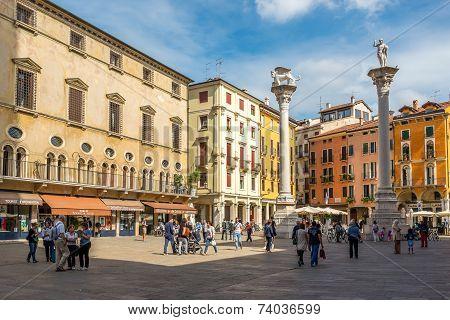 Piazza Signiori With Columns In Vicenza
