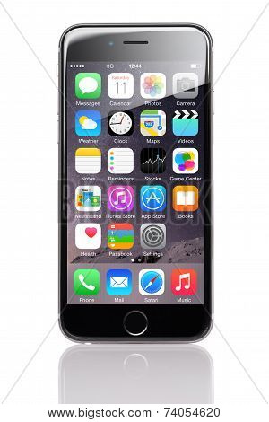 Apple Iphone 6 With Various Applications On Homescreen