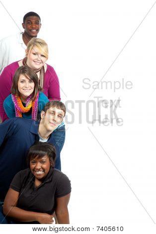 Multi racial Collegestudenten auf weiß